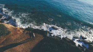 video-de-boda-en-la-playa-de-roche-conil-cadiz-preboda-drone-17