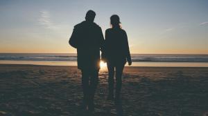 video-de-boda-en-la-playa-de-roche-conil-cadiz-preboda-drone-27