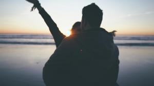 video-de-boda-en-la-playa-de-roche-conil-cadiz-preboda-drone-34